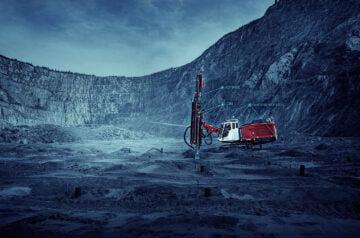 Sandvik esittelee innovatiivisen Top Hammer XL -teknologian avokaivoksille suuren reikäkoon poraukseen